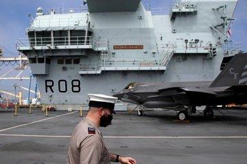 Tàu sân bay Anh sắp tới Biển Đông có hơn 100 thủy thủ mắc Covid-19