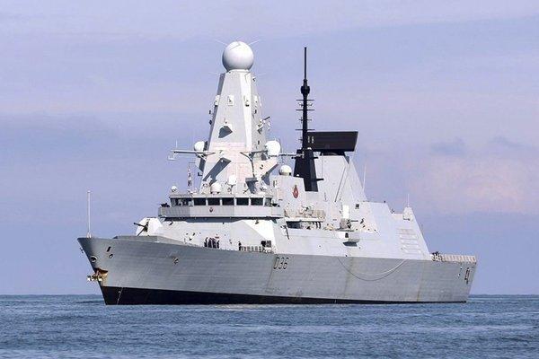 Nga cảnh cáo tàu chiến Anh còn lại gần Crimea, thủy thủ sẽ bị thương