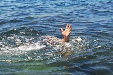 Thanh Hóa: 2 cháu nhỏ rơi xuống đập nước tử vong