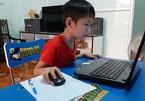 """Phụ huynh vội vàng cho con học tiền lớp 1 online với phương châm """"được chữ nào hay chữ ấy"""""""