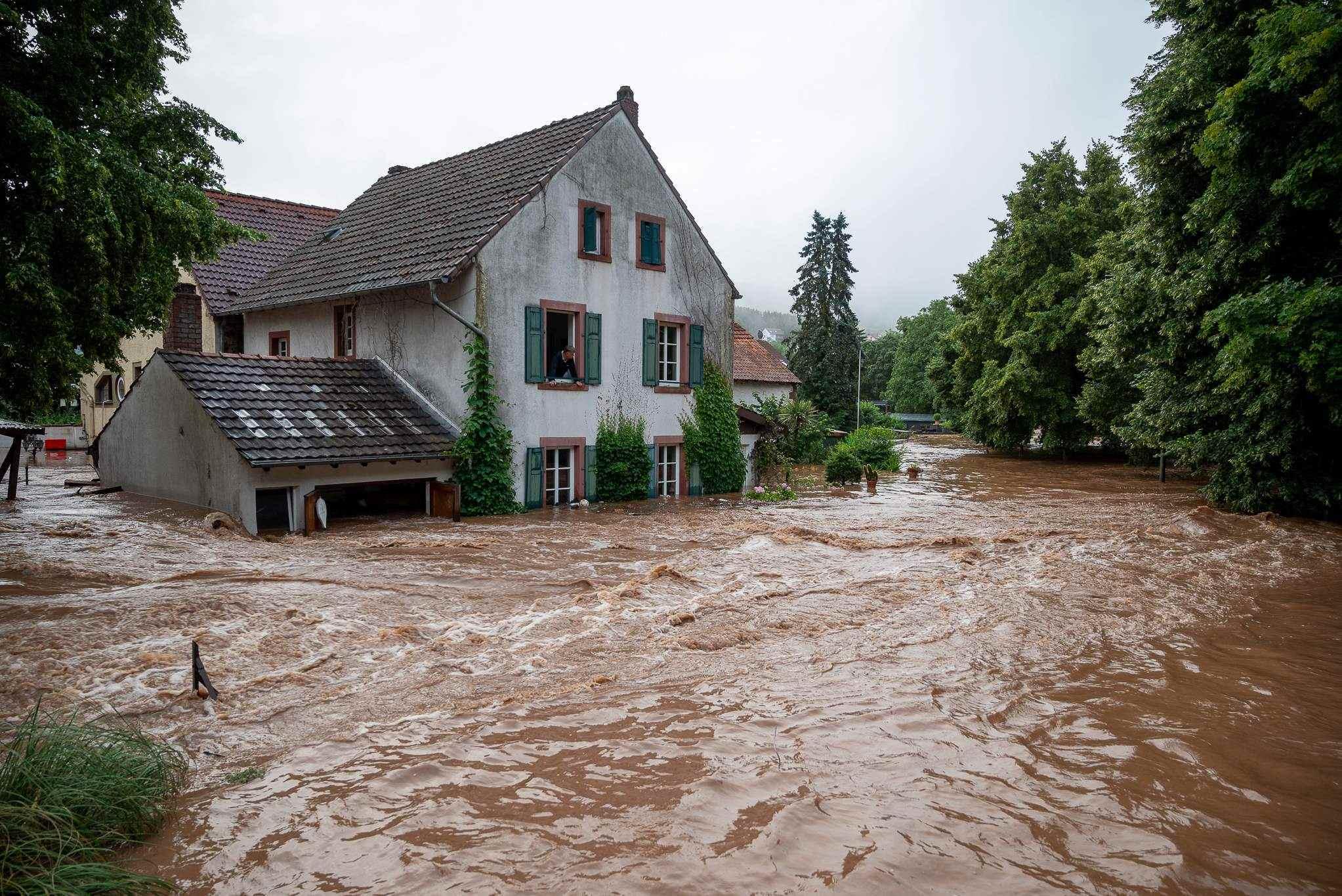 Hơn một nghìn người mất tích, hàng chục người thiệt mạng do lũ lụt ở Đức