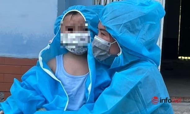 Mẹ là F0 đi cách ly, bé 6 tháng tuổi ở nhà với chị 15 tuổi khóc ngằn ngặt nhớ mẹ