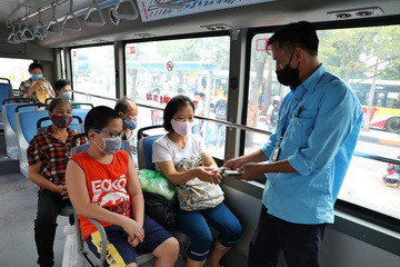 Hà Nội xét nghiệm gấp tất cả tài xế, phụ xe buýt sau chùm ca bệnh liên quan Cty Vận tải