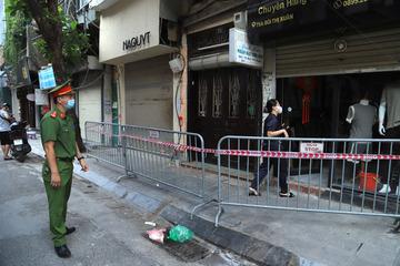 Hà Nội thêm 2 ca dương tính là mẹ con ở phố Bùi Thị Xuân