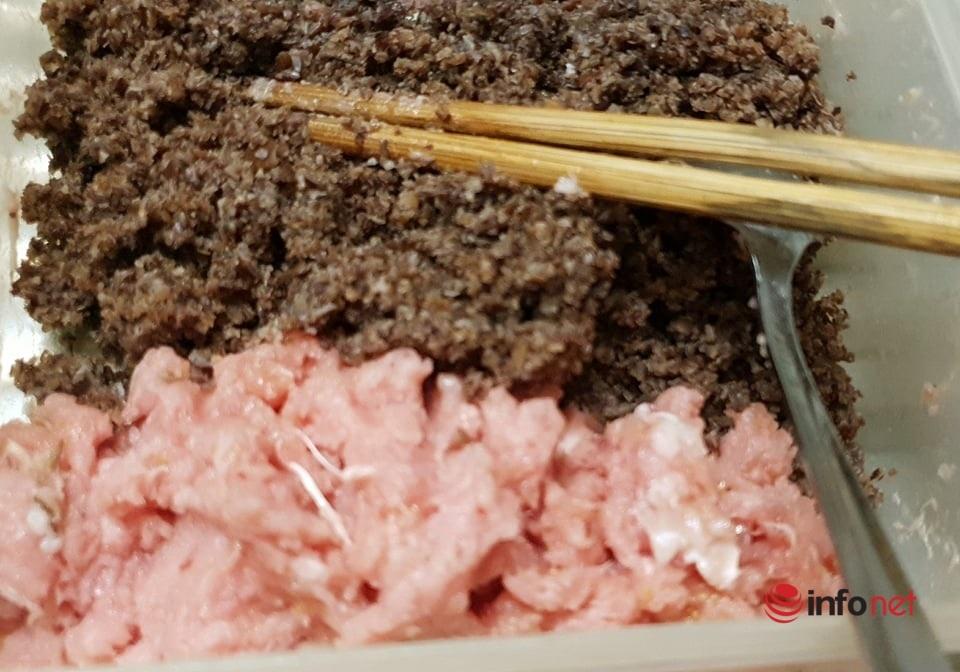 Quà vặt tại nhà: Cách làm bánh đúc nóng đơn giản của mẹ đảm