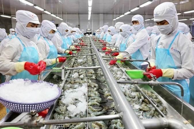 Cần ưu tiên tiêm vắc xin Covid-19 cho công nhân sản xuất thực phẩm, hàng thiết yếu