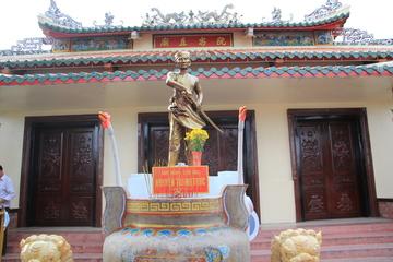 """Về thăm ngôi đền thờ người anh hùng với câu nói nổi tiếng """"đánh Tây"""""""