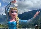 Xôn xao tượng Elsa ở Sa Pa: Chính nơi này từng có Nữ thần tự do phiên bản 'đột biến'