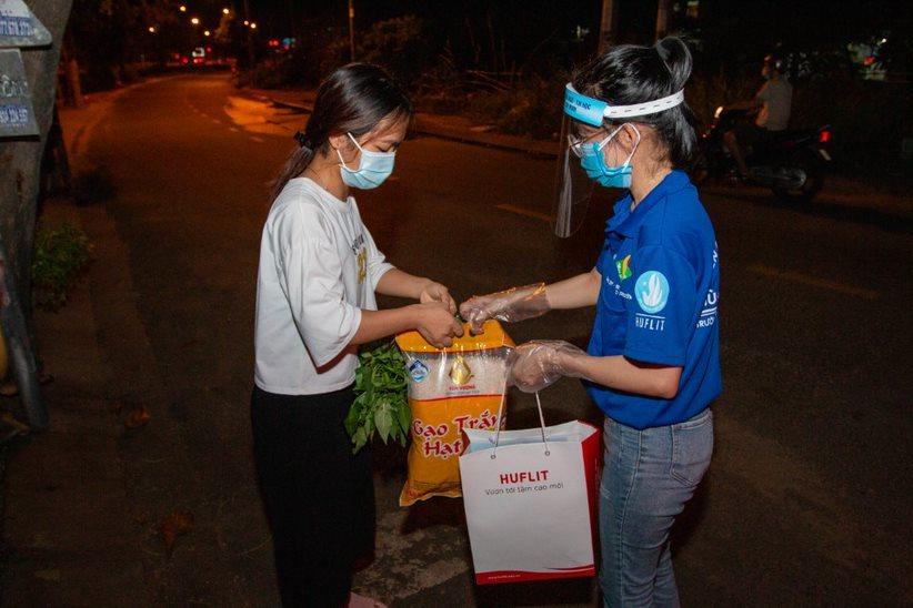 Trường ĐH giảm học phí, tìm nhà trọ, hỗ trợ thực phẩm giúp sinh viên vượt qua mùa dịch
