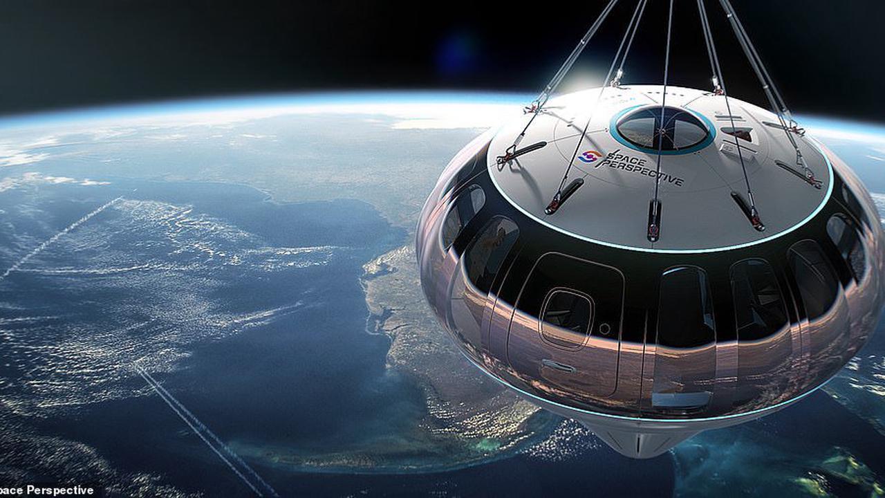 Cặp đôi sẽ được tổ chức đám cưới ngoài vũ trụ vào năm 2024?