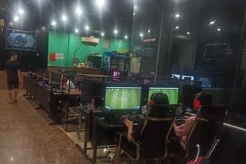 Hà Tĩnh: Lén lút cho khách tụ tập chơi game, 2 cơ sở kinh doanh dịch vụ internet bị phạt 15 triệu đồng