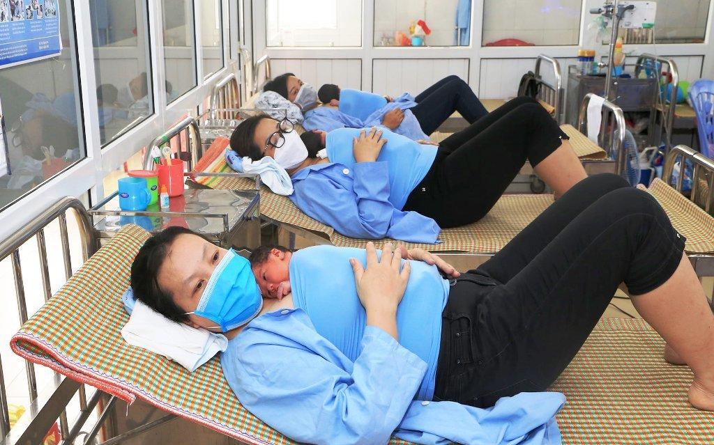 Kỳ diệu ca sinh 3 bé trai khỏe mạnh ở Nghệ An