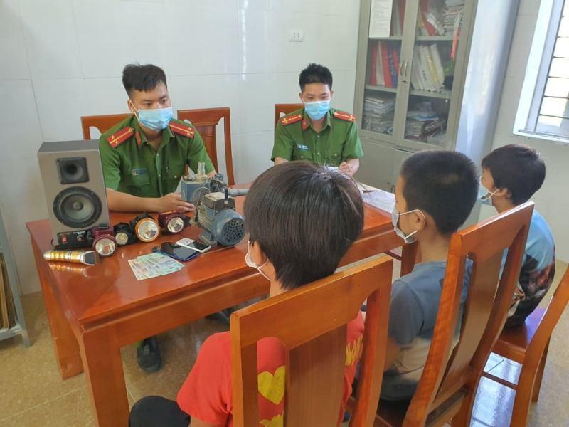 Bắt nhóm thiếu niên chuyên trộm cắp ở Hà Tĩnh