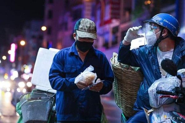 'Thương vụ nửa đêm' Bánh mỳ Saigon 0 đồng gọi vốn, các shark đua đập heo góp tiền tỷ đầu tư lòng nhân ái