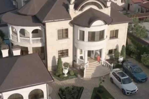 Bị bắt vì tham nhũng, quan chức cảnh sát Nga lộ căn biệt thự 'xa xỉ' gây choáng