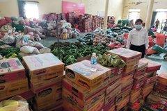 Người Hà Tĩnh góp hàng nghìn tấn hàng hóa, tiếp sức đồng bào miền Nam chống dịch