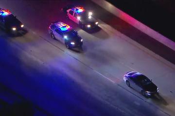 Xe cảnh sát đuổi theo người phụ nữ hơn 100 km và lý do được hé lộ