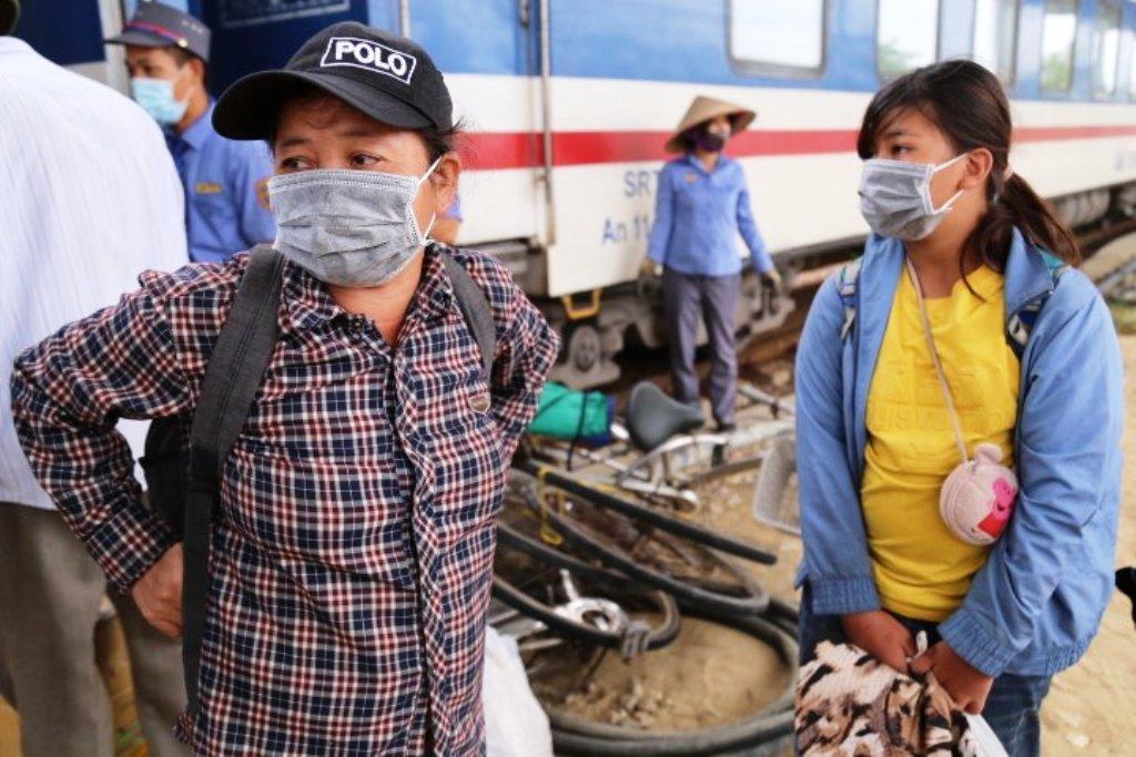 Chuyến tàu đưa 'gia đình đạp xe từ Đồng Nai về Nghệ An' đến quê an toàn