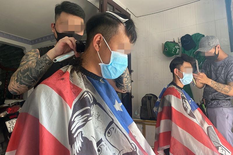 chống dịch,cách ly,vi phạm,cắt tóc,TPHCM