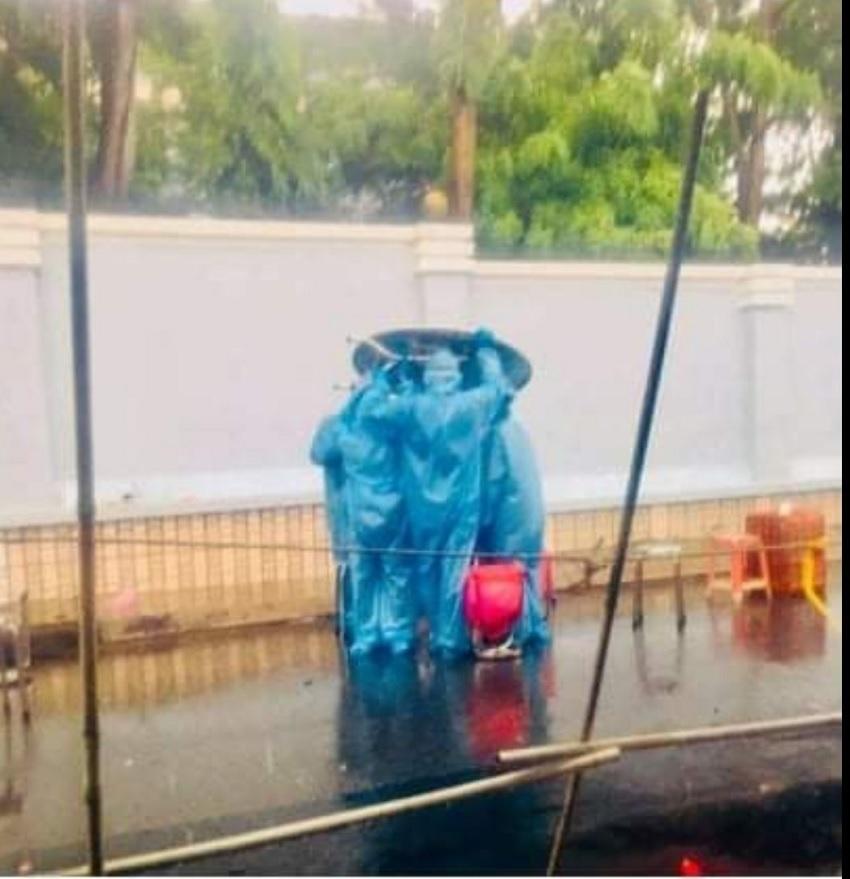 Những 'chiến binh áo xanh' đáng yêu đốn tim cộng đồng mạng