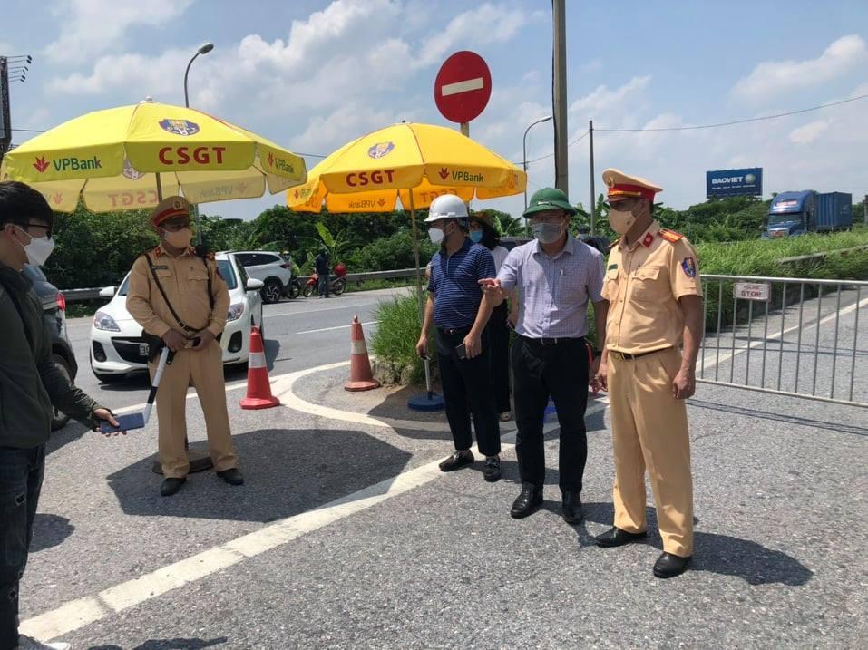 Nhiều tài xế đã nắm được quy định, các lối vào cửa ngõ Thủ đô giảm ùn tắc