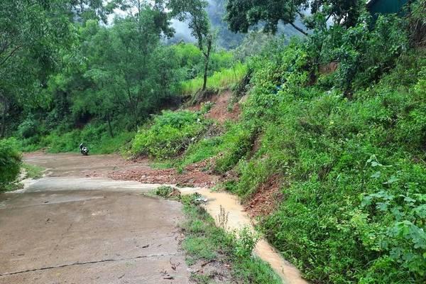 Quảng Bình mưa lớn, nhiều nơi ngập úng cục bộ, sạt lở đường