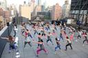 Hà Nội giãn cách, tập thể dục trên sân thượng chung cư có bị phạt?
