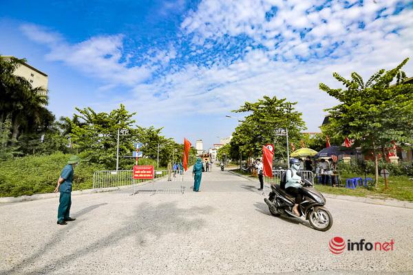 Hà Nội: Phát 'phiếu đi đường', gia đình chỉ 1 người ra đường mỗi ngày