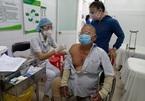 Chuyên gia chia sẻ những lợi ích người cao tuổi tiêm vắc xin Covid-19