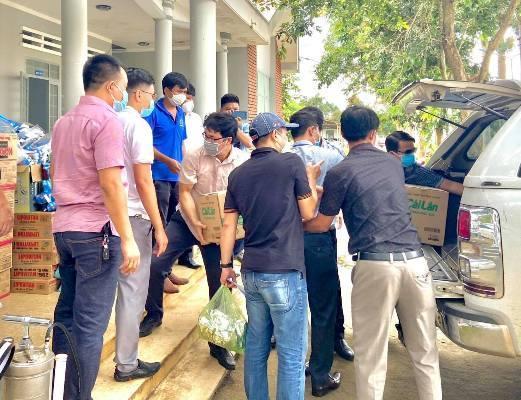 Nhà báo thường trú,Đắk Lắk,Cư Kuin,Krông Bông,Covid-19,tặng quà,người dân nghèo