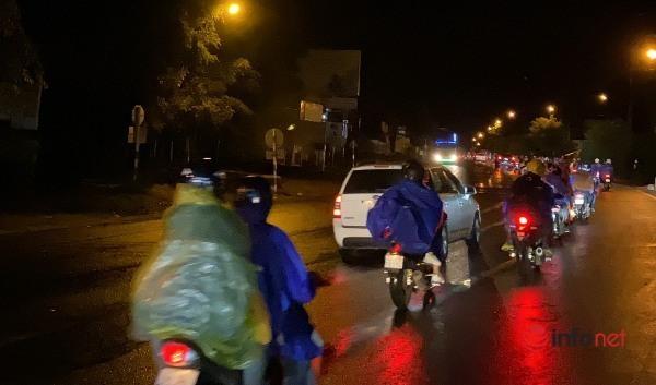 về quê,đi xe máy về quê,Đắk Lắk,tránh dịch,công nhân,thất nghiệp
