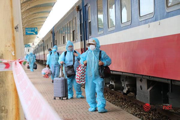 Thêm một chuyến tàu nghĩa tình đón gần 400 công dân từ TP.HCM về Huế