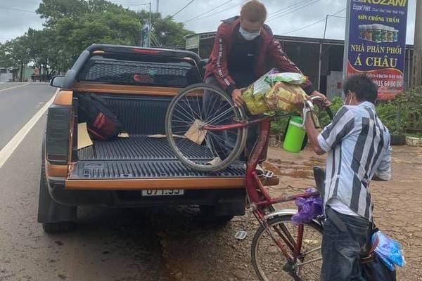 Đắk Nông,Đắk Lắk,Kon Tum,về quê,đi bộ về quê,tặng xe máy,hỗ trợ,lao động nghèo,mất việc làm