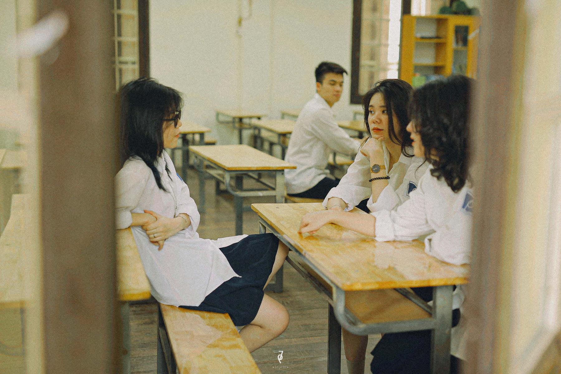 Bộ ảnh 'Tuổi ô mai' 12k lượt like của nhóm bạn thân được dân mạng chia sẻ rầm rộ, thi nhau ôn lại kỷ niệm thuở học trò