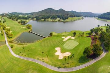 Vĩnh Phúc: tạm dừng đón, phục vụ khách chơi golf ngoại tỉnh