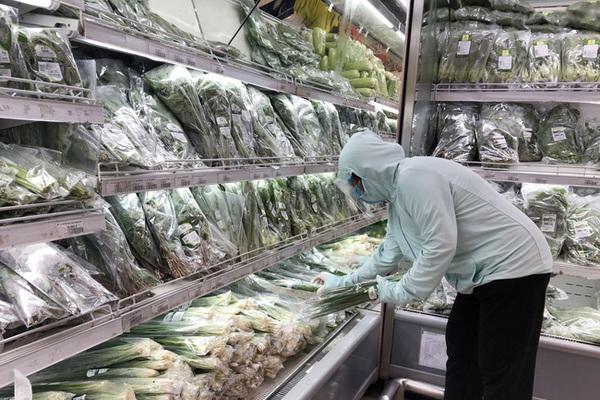 Hà Nội bố trí hàng hóa thế nào sau khi hàng chục siêu thị, cửa hàng đóng cửa?