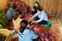 Đồng bào vùng sạt lở Trà Leng ân tình gửi hàng tấn nông sản vào TP.HCM