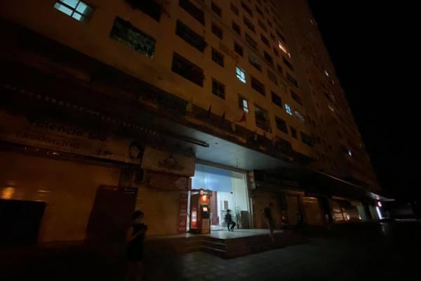 Bé gái rơi từ tầng 12 chung cư: Người thân bàng hoàng, xem ảnh mới biết con xảy ra chuyện