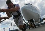 Khoảnh khắc khó tin: Vận động viên Nga lập kỷ lục kéo máy bay 'siêu khủng'