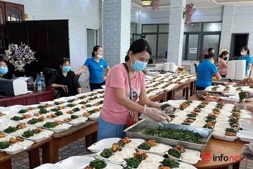 Hàng nghìn suất cơm miễn phí mỗi ngày hỗ trợ người dân cách ly ở Nghệ An