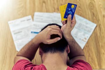 Người dân Mỹ đang gánh trên vai 'đống nợ' cao kỷ lục