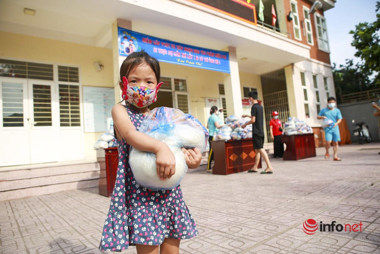 phát gạo miễn phí,Hà Nội,Cách ly xã hội,Cách ly,khó khăn,hỗ trợ,phường Phú Đô