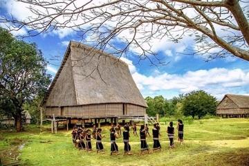 Phục hồi nhà Rông để bảo tồn giá trị di sản văn hóa dân tộc