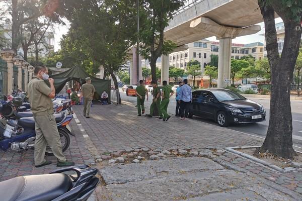 Nam thanh niên 'thông chốt' kiểm dịch, tông cảnh sát gục xuống đường khai gì?