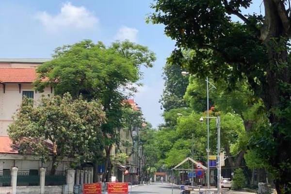 Hà Nội tiếp tục giãn cách đến ngày 23/8, khuyến khích lập 'chốt bảo vệ vùng xanh'