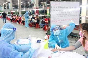 TP.HCM: Chuyển tuyến tiêm ngay để người dân được tiêm vắc xin Covid-19 nhanh nhất