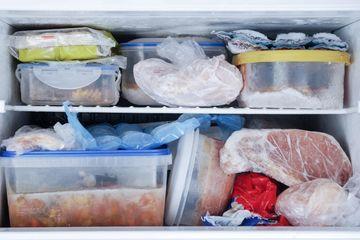 Nếu không muốn ngộ độc, đừng bao giờ để thực phẩm tự rã đông