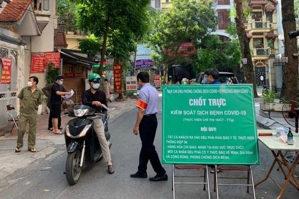 Trong 2 ngày Hà Nội xử phạt hơn 1.000 người vi phạm phòng chống dịch