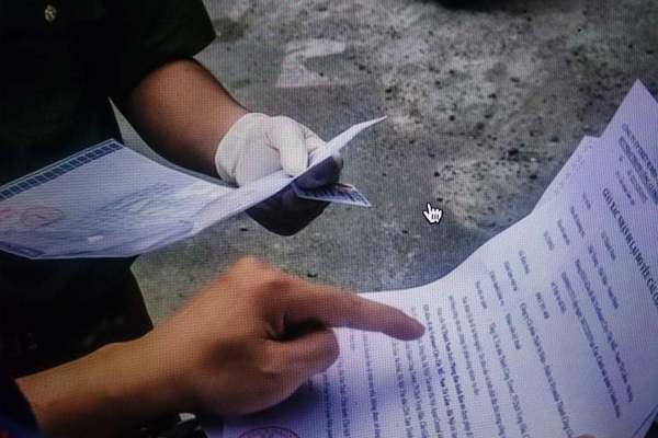 Ba thanh niên bỏ 12 triệu đồng mua giấy đi đường: Xử lý người bán và mua thế nào?