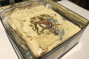 Miếng bánh trong đám cưới của Công nương Diana có giá hơn 2.500 USD sau 40 năm